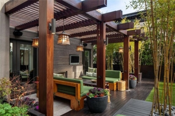 decorate wooden pergolas
